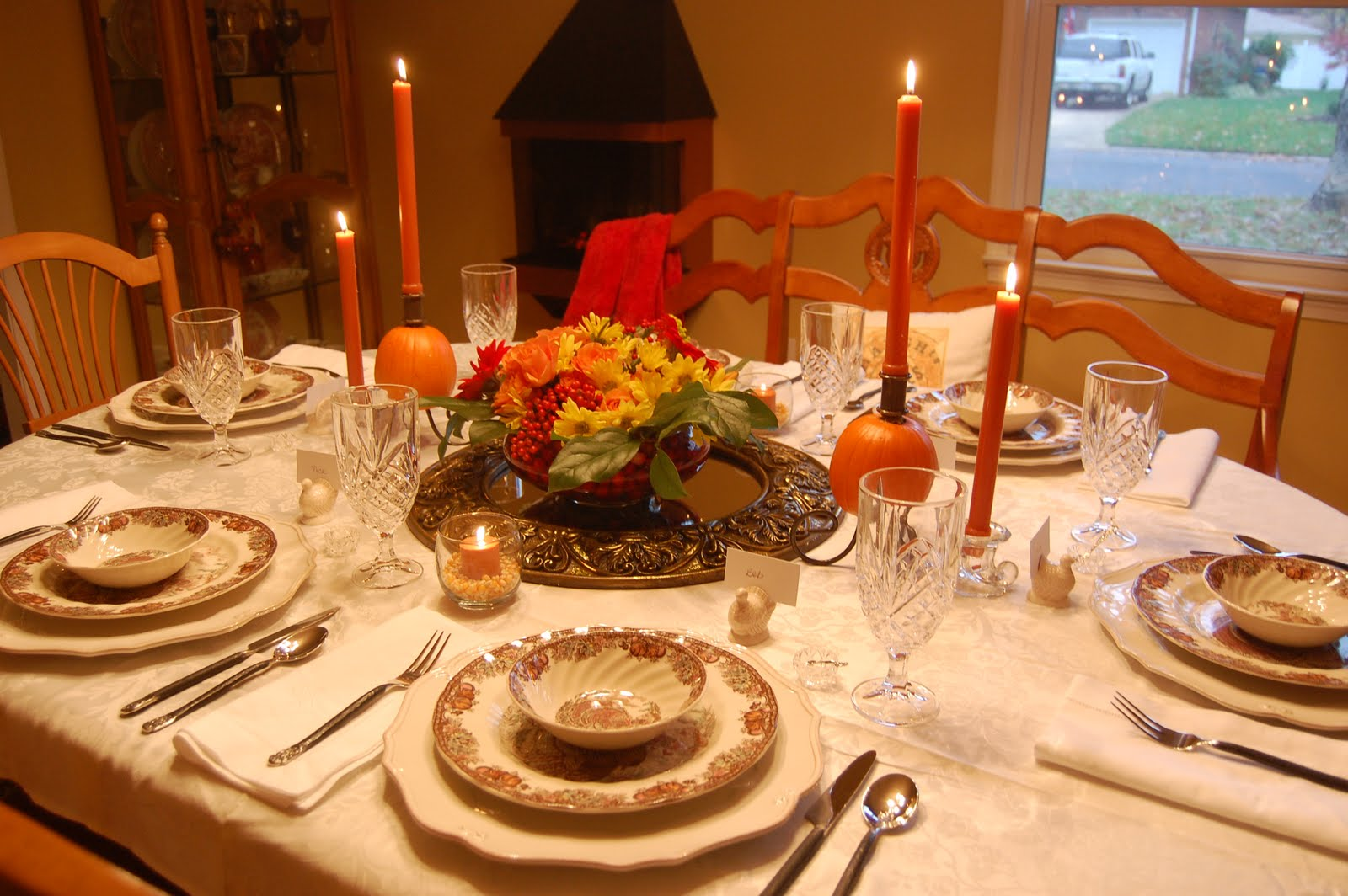 The knife is always right how to set the perfect - Thanksgiving dinner table decorations ...