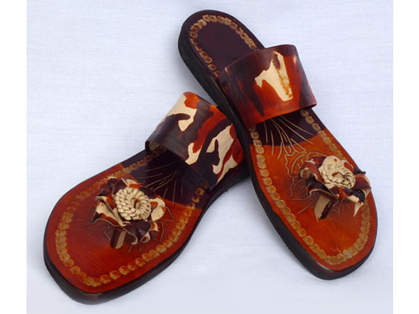 Sandals : Leather & Seeds