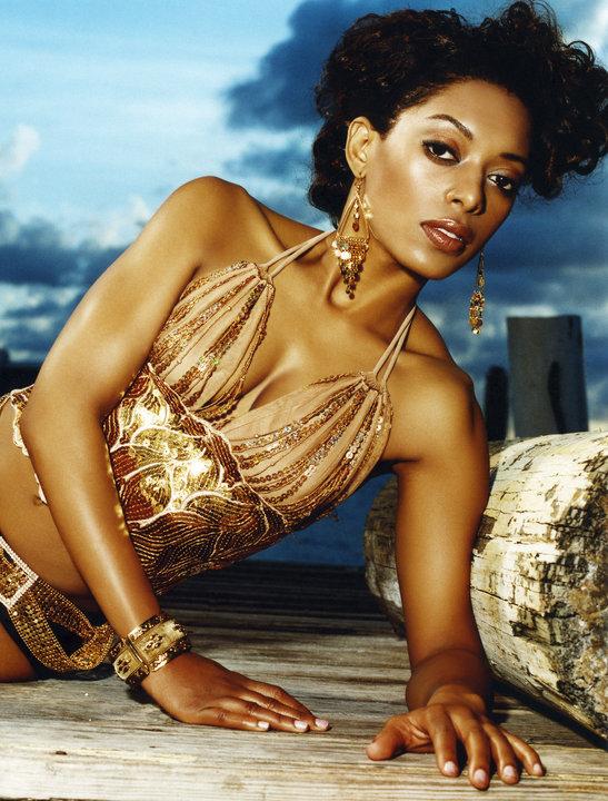 Melabeu Cheriece in a professional Beauty Shot