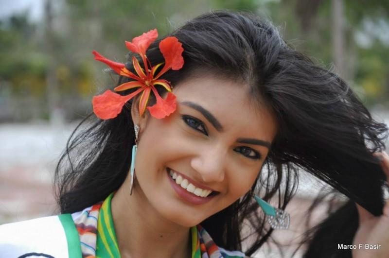Rafieya Aasieya Husain