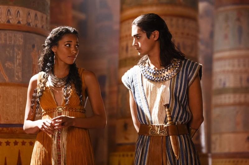 Suhad (Kylie Bunbury)and Tut (Avan Jogia)